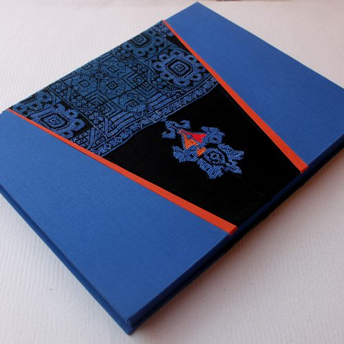 Caja de almeja con recubrimiento en tela y textil