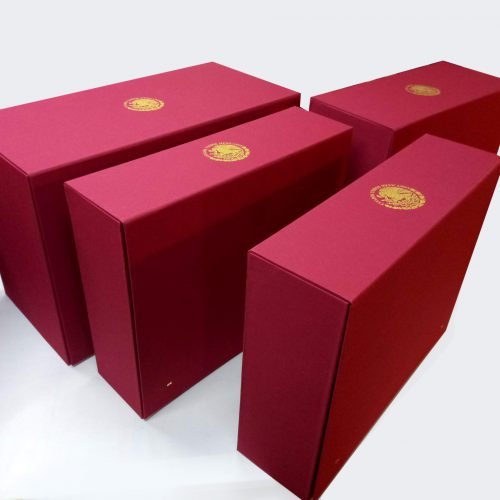 Caja para prendas diversas